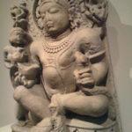 クヴェーラ|毘沙門天と同一視される富と財宝を表す財布の神