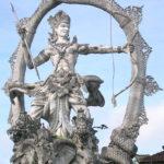 アルジュナ|神の弓ガーンディーヴァとバガヴァッド・ギーター